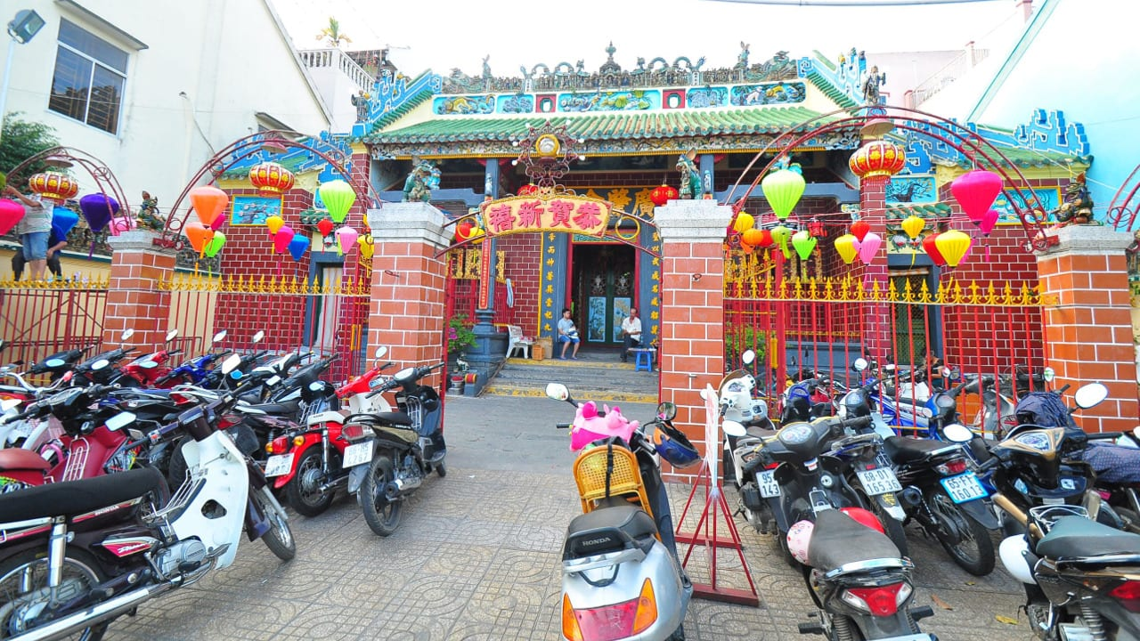 Can Tho Vietnam Temple